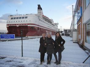 Photo: Sekmadienio rytas Rygos uoste su mūsų dičke Izabele :)