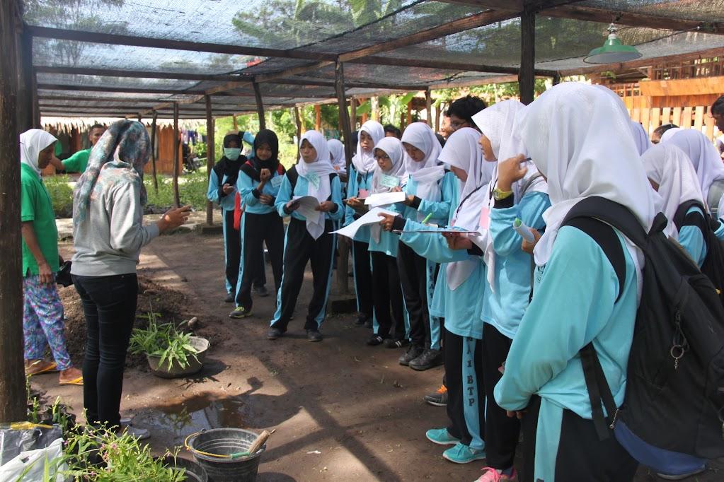 outdoor learning sma negeri 1 banguntapan ke hargoninangun title=