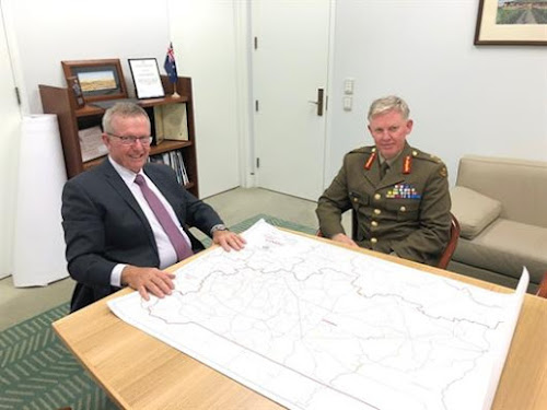 Member for Parkes Mark Coulton discusses the drought review with Major General Day.