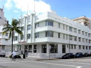 Photo: Miami Beach - South Beach - Carlyle