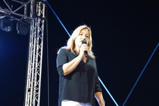 La alcaldesa de Níjar, Esperanza Pérez, durante su Saluda el pasado año.