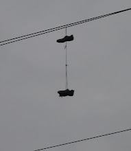 Photo: Niebawem odbijam w prawo i stwierdzam, że ktoś zawiesił buty na kołku, znaczy się drucie elektrycznym :D