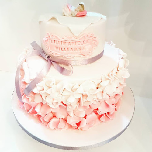 Wedding Cake by Lilli Oliver Cakes