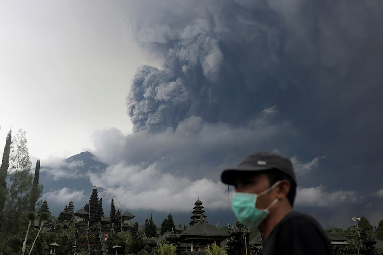 Mount Agung volcano erupts in Bali, Indonesia, November 26, 2017. Picture: REUTERS