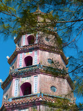 Photo: VIETNAM Hué - la Pagode Thien Mu (Pana)