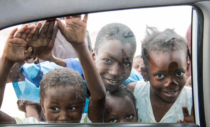 Gli sguardi dal finestrino di nena