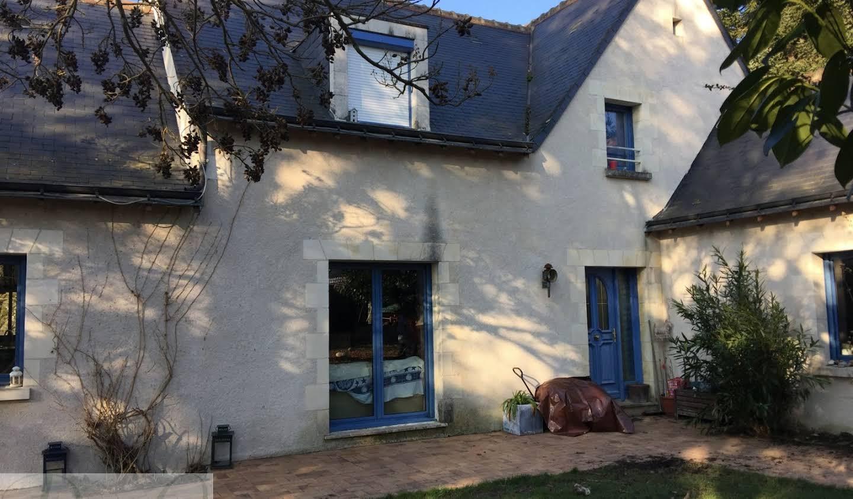 Maison avec piscine et terrasse Charentilly