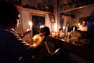 Photo: India faces worst blackout as grids collapse hits 20 states, 60 crore people http://t.in.com/4qNH