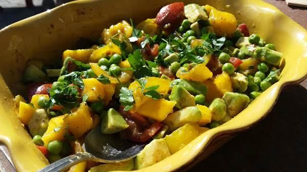 Green Pea, Tomato, And Papaya Salad