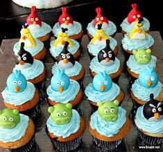 Photo: Angrybird Cupcakes