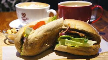 J12 cafe'