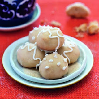 Gingerbread Butter Drops with Lemon Glaze.