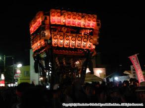 Photo: 【平成23年(2011) 本宮】  本年は節電協力のため、商店街の祭礼提灯に火が入らず、少々暗い中での渡御。