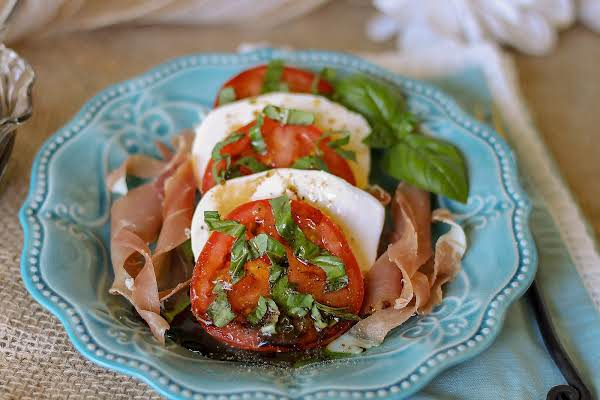 Tomato Mozzarella Salad With Balsamic Dressing Recipe