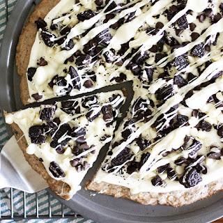 Cookies 'n' Creme Dessert Pizza