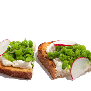 Pea and Ricotta Bruschetta