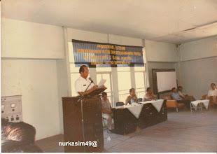 Photo: JANCY RAIB Walikotamadya Ujung Pandang (8- 8-1983 sd.  8- 8-1988) pada acara penutupan kursus Bendaharawan Rutin/Proyok