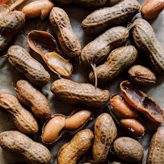 Slow Cooker Boiled Peanuts.