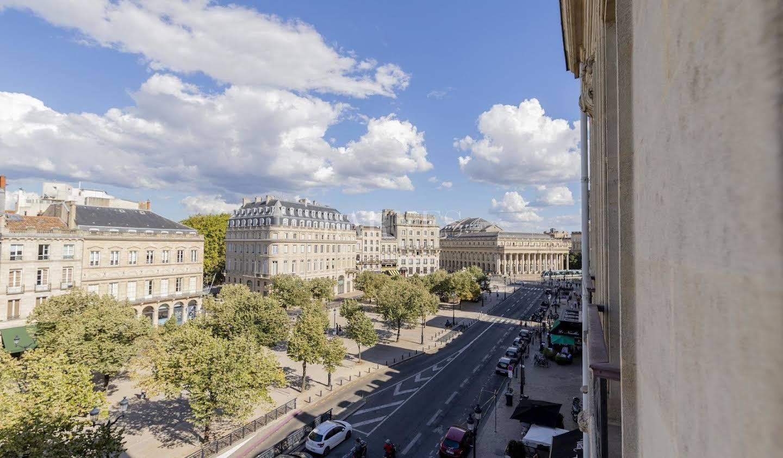 Apartment with terrace Bordeaux