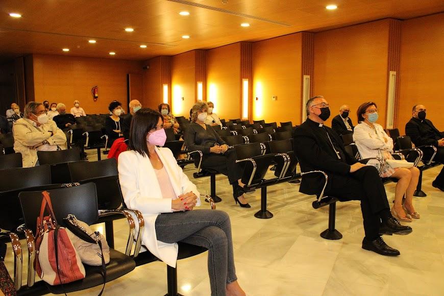 Asistentes a la conferencia impartida por el alcalde de Vícar.