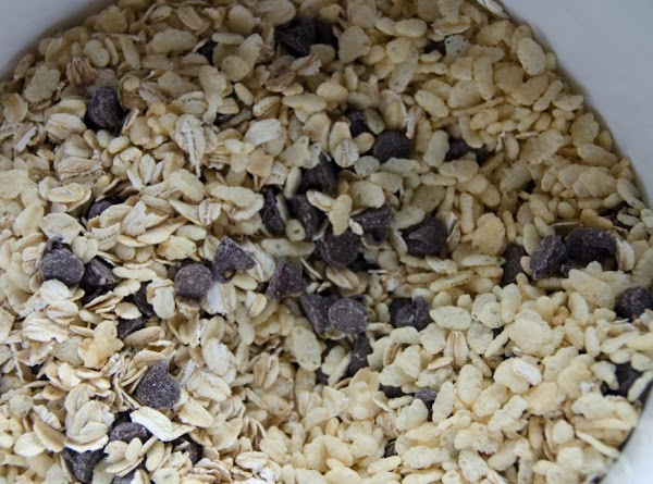 Add dry ingredients to large bowl: oats, chocolate chips and rice crispy cereal. Mix...