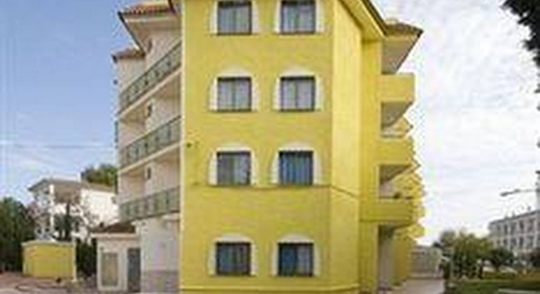 Apartamentos Sol y Mar 3000