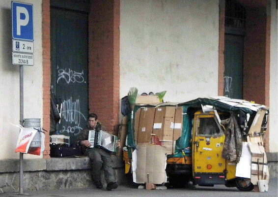 Anziano artista di strada di dotlinob