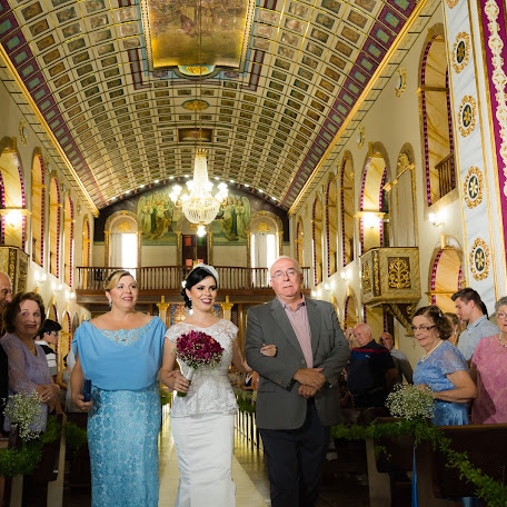 Wedding photographer Larissa Rocha (Andorinha). Photo of 14.12.2017