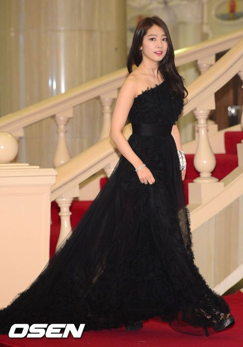 shinhye gown 12