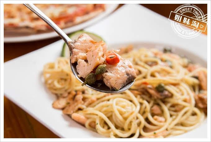 Amy's Cucina阿美披薩店凱辣味醃燻鮭魚酸豆義大利麵