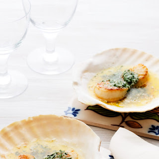 Keto Scallops With Herb Butter.