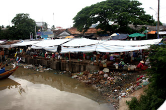 Photo: Year 2 Day 23 - Market (and Rubbish) at Phan Thiet Harbour