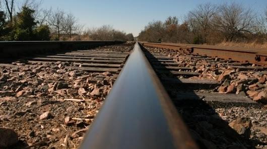 Por las vías circulan muy pocos trenes; ni los de borrascas llegan a Almería