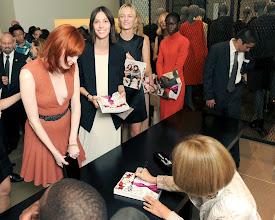 Photo: Anna Wintour, Karen Elson, Ruby Aldridge, Daria Strokous, Jeneil Williams