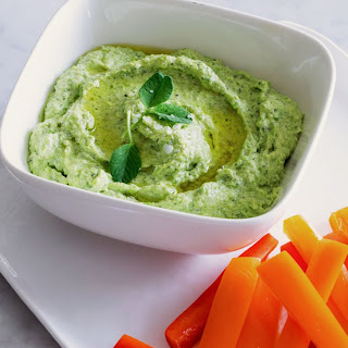 Minty Sweet Pea and Mascarpone Dip