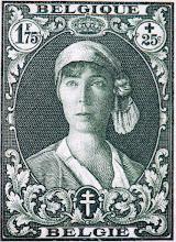 """Photo: """"Infirmière au bandeau"""" (1-12-1931). Effigie de la reine Élisabeth."""