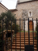 Photo: Portal de l'esglèsia i Pessebre
