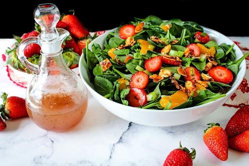 Mandarin Orange Strawberry Spinach Salad