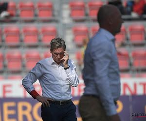 """Fans Zulte Waregem komen opnieuw met duidelijke boodschappen tijdens blamage, Dury reageert: """"Zou goedkoop zijn"""""""