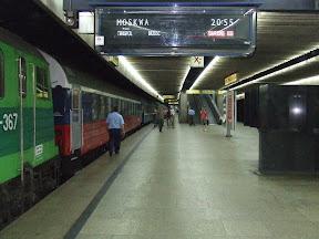 Warschau-Hauptbahnhof - danach fuhren wir in die Abenddämmerung.