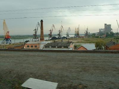 Omsk erreichten wir am Vormittag und rollten über den Irtysch.