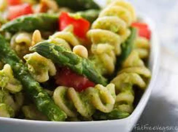 Pasta Primavera With Roasted Red Peppers