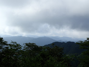 山頂からの展望(上空のガスが濃い)