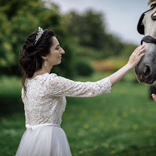 Wedding photographer Kseniya Khasanova (photoksun). Photo of 04.04.2018