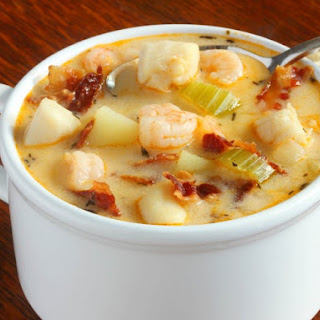 Slow Cooker Seafood Chowder