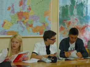 Photo: Els alumnes a una classe d'anglès.