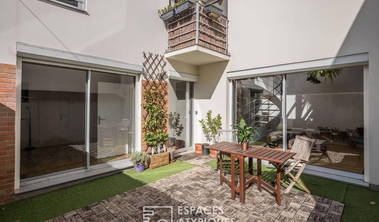 Apartment with terrace Villemomble