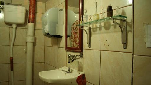 cheveux-banheiro-toilettes