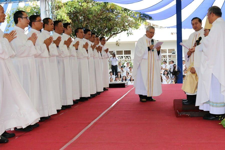 Lễ Tấn Phong chức Phó tế tại nhà thờ Chính Tòa Ban Mê Thuột - Ảnh minh hoạ 14