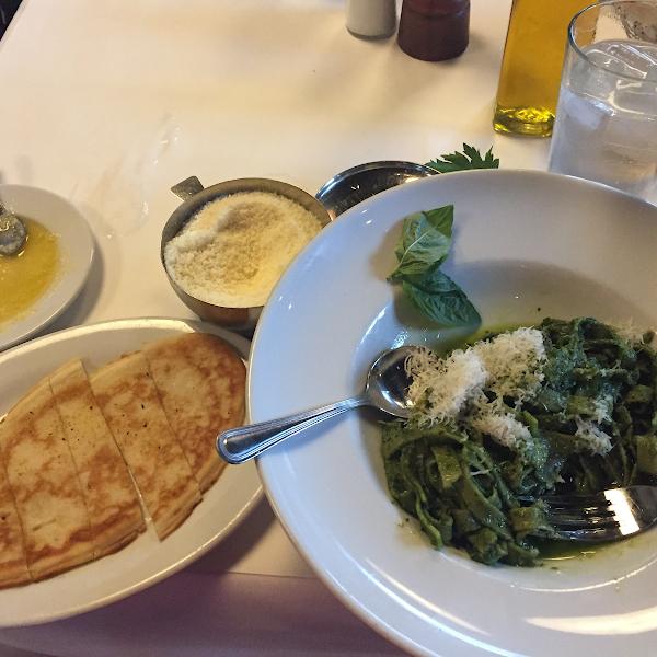 Pesto spinach fettuccine with gf bread!!!